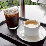 神椿 - ホットコーヒーとアイスコーヒー
