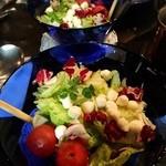ブルーノ - 完熟トマトとモッツァレラチーズのサラダ 561円