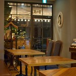 cafe & diner NONgUL - 店内 カフェスペース