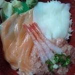 海鮮丼のどんぶりこ - ネギトロ部分が・・・