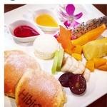 ハイビス カフェ - 南国フルーツパーティー※季節によりフルーツは異なります。¥950