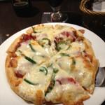 ケルティック - 自家製トマトソースピザも