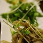 オステリア テゴラ - 前菜 自由に選べる3品盛り(パルミジャーノとベーコンのポテトサラダ、インゲンのガーリックソテー、アンチョビ風味のキンピラゴボウ) 500円