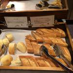 ブッシュウィック べーカリー&グリル - パン