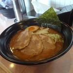 虎魂食堂 - 豚骨チャーシュー麺