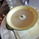 江藤ボートハウスレイクサイドオープンカフェ - 料理写真:ハンバーグセットのスープ