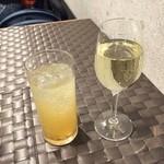 47223867 - シチリア白ワイン、ジンジャーエール