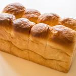47227796 - 食パン 400円+税