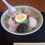 満留賀 - 料理写真:五目ラーメン800円