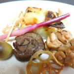 うを徳 - 焼物 サワラの西京味噌漬け焼き 鱈の白子 八幡巻き オリーブの大徳寺納豆詰め 蓮揚げ