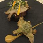 祇園 佐橋 - 鮑の蒸し上げ(海老芋乗せ)と、フキノトウの天ぷら