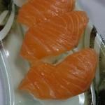 さかなやのmaru寿司 - サーモン388円