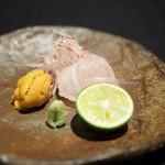 日本料理 楮山 - お造り 平目 雲丹