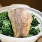 日本料理 楮山 - スズキの焼き込みご飯