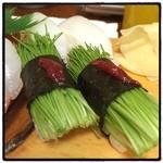 いろは寿司 - 芽ねぎの握り。 よく売り切れる。