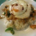 サワディー - 鶏肉の炒め