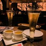 新宿 ランブータン - シャンパンと付き出しのトムヤムクン