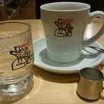 47242599 - たっぷりブレンズコーヒー ミルクもデカイ