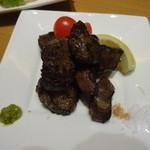 もつ鍋 慶州 - 牛ハツの炙り
