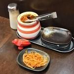 麺 からいもん - 卓上の辛子モヤシ