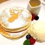 ATELIER CAFE - 鹿ちゃんホットケーキ!