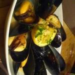 イタリアンレストラン&バー BARDI - ムール貝これで一人前だったような…プリプリ