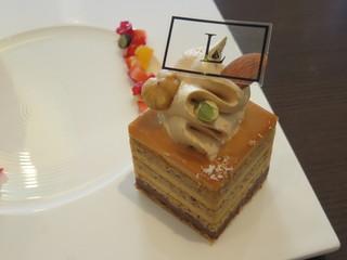 ロートンヌ 中野店 - コウタツ スタイル:ケーキ2種類(ロッソ・ルビーノ、マメーリ)、コーヒー3