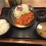 47256703 - チーズトマトチキンモモかつ定食(500円)
