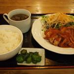 鉄板バル Jyu- - 鶏のトマト煮込みランチ850円(税込)
