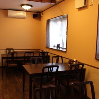 雰囲気の良いオシャレな老舗洋食店♪