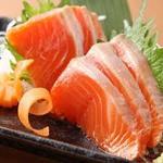 英よし - 料理写真:サーモン刺600円