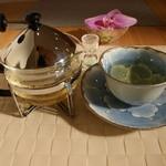 こばとカフェ - 紅茶、ハーブティーも2杯だて