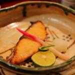 小鯛雀鮨 すし萬 - 鰆の幽庵焼き