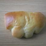 47272113 - クリームパン