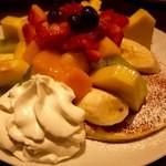 テディーズ ビガー バーガー - フレッシュフルーツパンケーキ