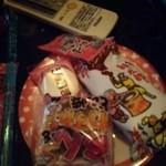 カラオケルーム10 - 駄菓子食べ放題