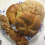 ハルツ - 料理写真:ドイツパン他