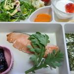 湯の元温泉 - 朝食 鮭ほか