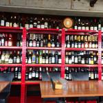 47277397 - 店内(2階)                       ラックのワインはボトルに書かれた値段で飲める