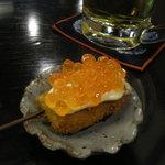 串吉 - いくらと鮭の親子。 いくらがキラキラでめちゃくちゃ綺麗っす。そして美味いっす。