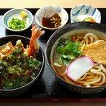 四国屋 - 料理写真:【Aランチ】 天丼・うどん・新香・小鉢 930円