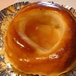 ル・カトル - 桃とチーズのパン