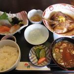 いち膳 - 料理写真:漁師の荒煮定食 1165円