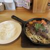 Uesutan - 料理写真:メインのサイコロステーキの登場です。