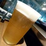 かき殻荘 - ドリンクは、プラコップ。おかわりは飲み干してからこのコップを再利用(^_^;)