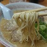 萬龍 - ストレートの細麺