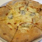 ピッツェリア マルーモ - 3種のチーズ ピザ 2016.2撮影