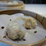 家全七福酒家 SEVENTH SON RESTAURANT - 蟹肉入りフカヒレ餃子