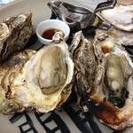 47312351 - 看板の焼き牡蠣は今一つ