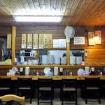 らーめん丸木屋 - カウンター席(2016年2月)